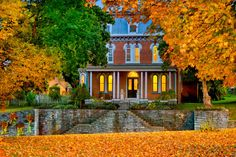 20 Inns and B&Bs With Stunning Views of Fall Foliage  - HouseBeautiful.com