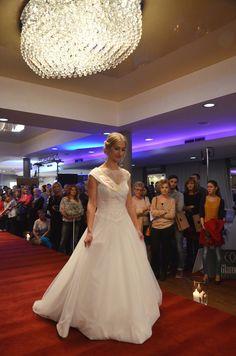 Pokaz sukien ślubnych Lidia. #weddinggdress #wedding #targiślubne