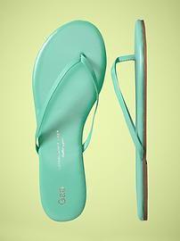 Gap flip flops