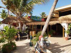 Iggies Beach Bar at Balongo Bay in St. Thomas