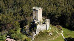 Los 15 castillos para viajar a la Galicia más medieval             El castillo de Nogueirosa