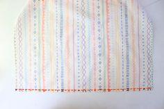 頭からすっぽりかぶる、こども用バッククロス型エプロンの作り方 | nunocoto fabric Fabric, Japanese Clothing, Tejido, Tela, Cloths, Fabrics, Tejidos