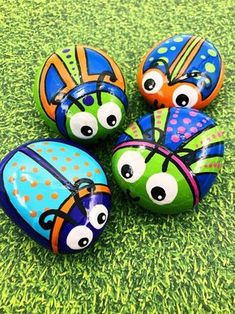 Colorful Bugs Painted Rocks Crazy Bug Stones Easter Gift Pocket Stone Birthday Party Favors Gift for Kids Back to School Gift Alleluia Rocks Rock Painting Patterns, Rock Painting Ideas Easy, Rock Painting Designs, Painting For Kids, Paint Designs, Pebble Painting, Pebble Art, Stone Painting, Painted Rock Animals