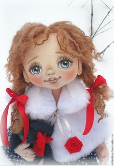 Купить или заказать Сонечка.Текстильная кукла. в интернет-магазине на Ярмарке Мастеров. Текстильная кукла Сонечка. Нежная девочка с ласковым взглядом.Роспись акриловыми красками.ручки проволочный каркас,волосики овечьи кудряшки.Вся одежда настоящая-снимается.