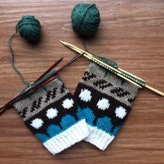 Riikka Was here: Muitaihania talvisukat Knitting Socks, Knit Socks, Fiber Art, Stuff To Do, Hair Accessories, Crochet, Pattern, Inspiration, Knits