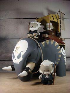 Big Mama Elephant by Huck Gee Toy Art, Vinyl Toys, Vinyl Art, Vinyl Figures, Action Figures, 3d Prints, Designer Toys, Wood Toys, Toy Boxes