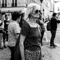 Flowerpower Warsaw, Black And White Photography, Street Photography, Documentaries, Sequin Skirt, Christian, Couple Photos, Couples, Fashion