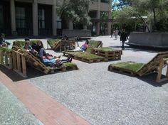 Grass pallet seats