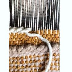 Hottest Photo hand weaving projects Strategies Loving this new stitch that is super easy and so full of texture. Weaving Loom Diy, Weaving Art, Tapestry Weaving, Hand Weaving, Weaving Textiles, Weaving Patterns, Weaving Wall Hanging, Macrame Design, Weaving Projects