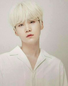 Find images and videos about bts, suga and min yoongi on We Heart It - the app to get lost in what you love. Bts Suga, Min Yoongi Bts, Bts Bangtan Boy, Bts Boys, Jhope, Yoonmin, Lil Wayne, Daegu, Foto Bts