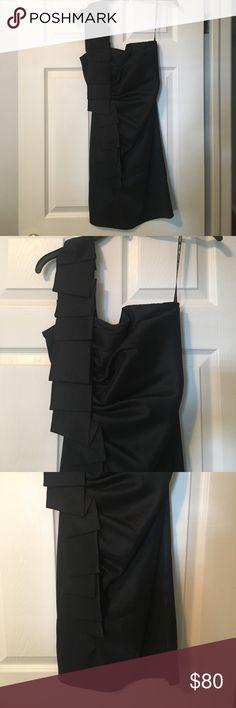 Jessica McClintock one shoulder black dress. Beautiful Jessica McClintock one shouldered black cocktail dress. Size 6. Worn only once. Jessica McClintock Dresses One Shoulder