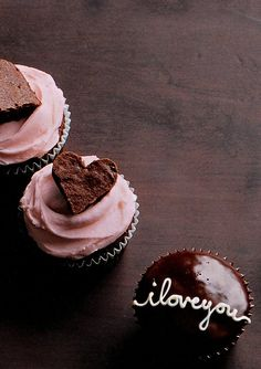 Brownie Heart & Handwritten Cupcakes
