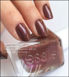 Essie Pearls of Wisdom  Essie Pearls of Wisdom – lustrous mulberry pearl (above). Shake this puppy up really well to distribute the black pigment evenly and avoid streaks in your pretty polish job.