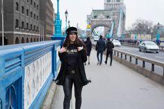 Kun näin nämä kuvat Lontoosta koneellani, niin ensimmäinen asia, mikä niistä tuli mieleen olivat karamelisoidut pähkinät, joita myytiin ihan hotellimme vieressä, Tower Bridge alueella. Minähän rakastan kaikkia pähkinöitä (paitsi maapähkinoita) ja voisin kirjaimellisesti elää pähkinöillä tai pähkinäv