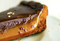 We have everything from recipes to technology to everyday general knowledge. Salted Caramel Chocolate Tart, Chocolate Heaven, Chocolate Ganache, Vegan Chocolate, Delicious Dishes, Delicious Vegan Recipes, Healthy Dessert Recipes, Vegan Desserts, Yummy Food