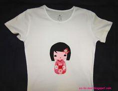 Camiseta patchwork con muñeca kokeshi