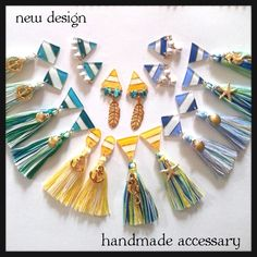 yellowターコイズフェザーピアス                                                                                                                                                                                 もっと見る Tassel Earing, Diy Tassel, Tassel Jewelry, Resin Jewelry, Diy Jewelry, Beaded Jewelry, Tassels, Silk Thread Bangles, Thread Jewellery