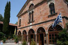 Das Kloster Taxiarches Mantamados auf der griechischen Insel Lesbos