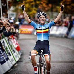 Sanne Cant wins the