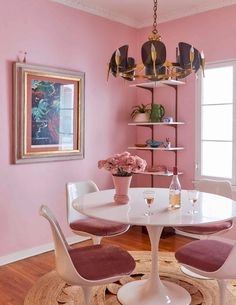 The Pink Dining Room Erik Designed BEFORE He Found His Apartment - Emily Henderson #pink #diningroom #homedesign #interiors Pink Dining Rooms, Dining Room Paint Colors, Dining Room Wall Decor, Dining Room Lighting, Dining Room Design, Room Decor, Dining Room Table Centerpieces, Decorating Small Spaces, Furniture