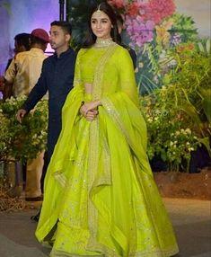 Alia Bhatt in Parrot Green outfit for Sonam's Reception party tonight. Pakistani Dresses, Indian Dresses, Indian Sarees, Silk Sarees, Lehenga Designs, Indian Wedding Outfits, Indian Outfits, Indian Weddings, Wedding Dresses