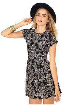 Missguided - Maliveta Floral Motif Print Skater Dress