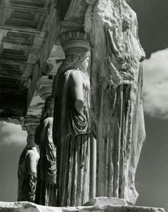 The Acropolis. Column fragments, Athens, Greece 1937 by Herbert List Herbert List, Athens Acropolis, Parthenon, Athens Greece, Modern Photography, Black And White Photography, Greece History, Empire Romain, Greek Art
