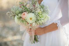 So könnte z.B. ein Brautstrauß von den Farben dann aussehen…der passt aber zu ALLEN Farbkombis mit grau und denen mit weiß :)