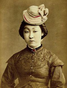 марочные каждый день: редкие фотографии гейши и Майко Без Кимоно от 1900-1920