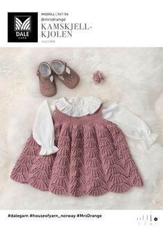 Baby Se her og udskriv din gratis opskrift! Baby Cardigan, Knit Baby Dress, Baby Pullover, Knitted Baby Clothes, Baby Vest, Baby & Toddler Clothing, Baby Outfits, Kids Outfits Girls, Baby Girl Dresses