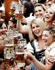 World's Biggest Beer Festival in Munich, Germany: Oktoberfest 2011 Munich Oktoberfest, German Oktoberfest, Oktoberfest Outfit, Beer Maid, Monster Energy Girls, Beer Girl, Free Beer, German Beer, Beer Festival