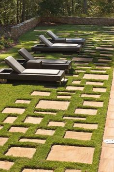 20 Dream Hardscape Projects To Try Out In Your Backyard --> http://www.hgtvgardens.com/hardscaping/20-hardscape-dream-projects?s=5&soc=pinterest