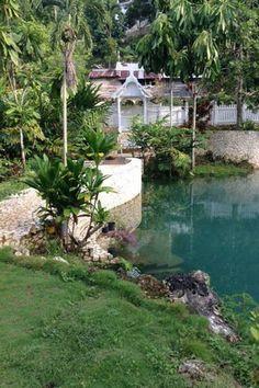 5 mai 2020 - Logement entier à 252 CHF. Blue Hole, Jamaica, River, Outdoor Decor, Home Decor, Negril Jamaica, Decoration Home, Room Decor, Rivers
