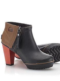 sorel medina rain ankle boot :: crushing puddles with an orange heel.