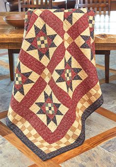 Easy Quilts Spring 2016 (own). Several traditional elements are combined in this full-size quilt featuring Nine Patch quilt blocks, Variable Star quilt blocks, and Four Patch quilt blocks. Star Quilt Blocks, Star Quilts, Easy Quilts, Mini Quilts, Colchas Country, Country Quilts, Farmhouse Quilts, Primitive Country, Quilting Projects