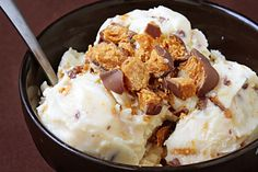 Butterfinger Ice Cream | gimmesomeoven.com