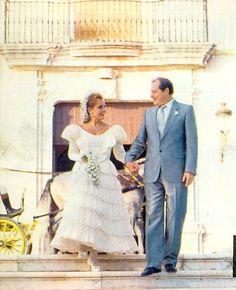 Carmen Sevilla el día de su boda con Vicente Patuel con un traje de inspiración #goyesca de Lina.