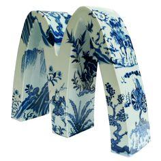 LiLihong Chinese artist using porcelain