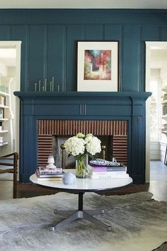 Are you looking for fireplace mantel decorating ideas? Having a cohesive look to your fireplace mantel decor is key. When decorating your fireplace mantle make sure you have a theme, like a common shape, item type, or color scheme. Keep reading as we share 10 ideas for how to decorate your fireplace mantel like a pro. Hadley Court Interior Design Blog by Central Texas Interior Designer, Leslie Hendrix Wood