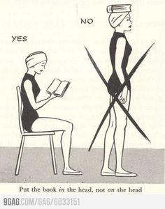 """Poné el libro """"en"""", no """"sobre"""", la cabeza"""