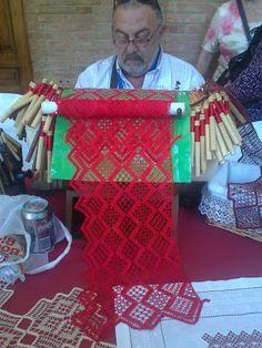 El jardín de Victoria Knit Or Crochet, Irish Crochet, Bobbin Lacemaking, Types Of Lace, Lace Art, Lace Painting, Bobbin Lace Patterns, Lace Jewelry, Lace Making