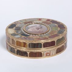 Box in enameled gold set with hardstones, in Dresden, Germany, circa 1775 | Artist : Neuber, Johann Christian | V&A Search the Collections