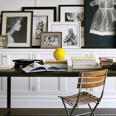 I love the variety in this home office. Brooke Shields' Home, as seen in Architectural Digest Display Family Photos, Old Family Photos, Family Pictures, Meaningful Pictures, Framed Pictures, Large Photos, Brooke Shields, Architectural Digest, New York Homes