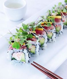 The traditional California Roll with some creative additions - tuna, mango & fresh sprouts by @sushiartisan • Follow @makesushi1 for more sushi • Go to buff.ly/2wV4Une for more recipes Make Sushi http://ift.tt/2yKYMTd