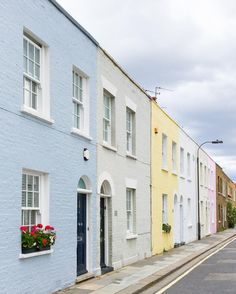 If you want to dig deeper into the city's character, here are 11 under-the-radar London neighborhoods for you to explore. Exterior Paint Colors For House, Exterior Colors, House Colors, Terrace House Exterior, Townhouse Exterior, London Neighborhoods, London House, London Townhouse, Pastel House