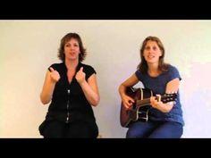Gebarenliedje: zand op je boterham - YouTube