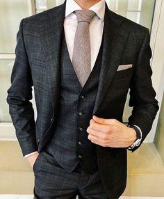 Best Suits For Men, Cool Suits, Mens Fashion Suits, Mens Suits, Moda Formal, Style Masculin, Designer Suits For Men, Beautiful Suit, Mens Style Guide