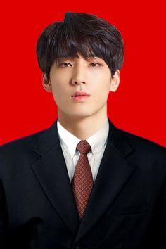 his wife is lucky Seventeen Wonwoo, Seventeen Debut, Seventeen Scoups, Mingyu Wonwoo, Woozi, K Pop, Rapper, Hip Hop, Id Photo