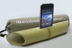 ...iBamboo es un altavoz para iPhone que no necesita electricidad, se aprovecha la acústica natural del bambú. Sorprendente!!