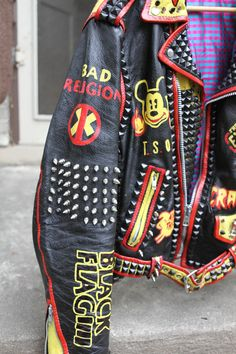 These are hand painted Vintage Leather Punk Rock Jackets With Nerd Outfits, Punk Outfits, Cool Outfits, Combat Jacket, Battle Jacket, Alternative Outfits, Alternative Fashion, Diy Leather Jacket, Biker Costume